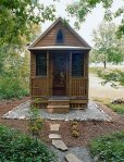 Tumbleweed-Tiny-House-with-small-garden